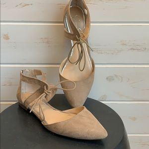 Jessica Simpson taupe suede shoes